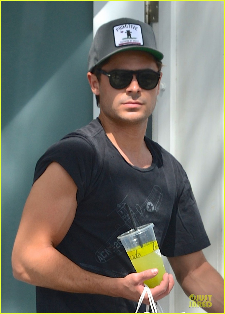 zac efron townies set with dave franco 042840096