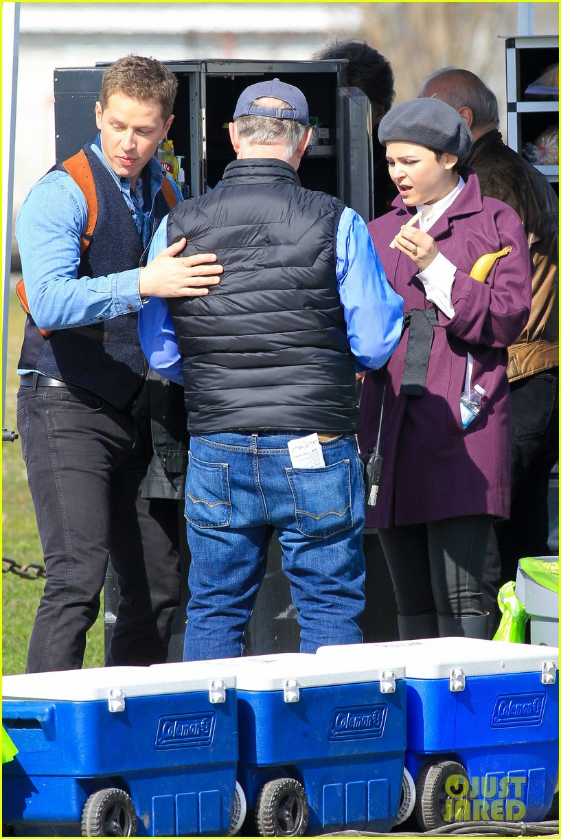 ginnifer goodwin emile de ravin once upon a time set 112839223