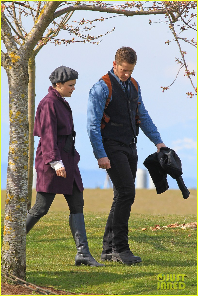 ginnifer goodwin emile de ravin once upon a time set 17