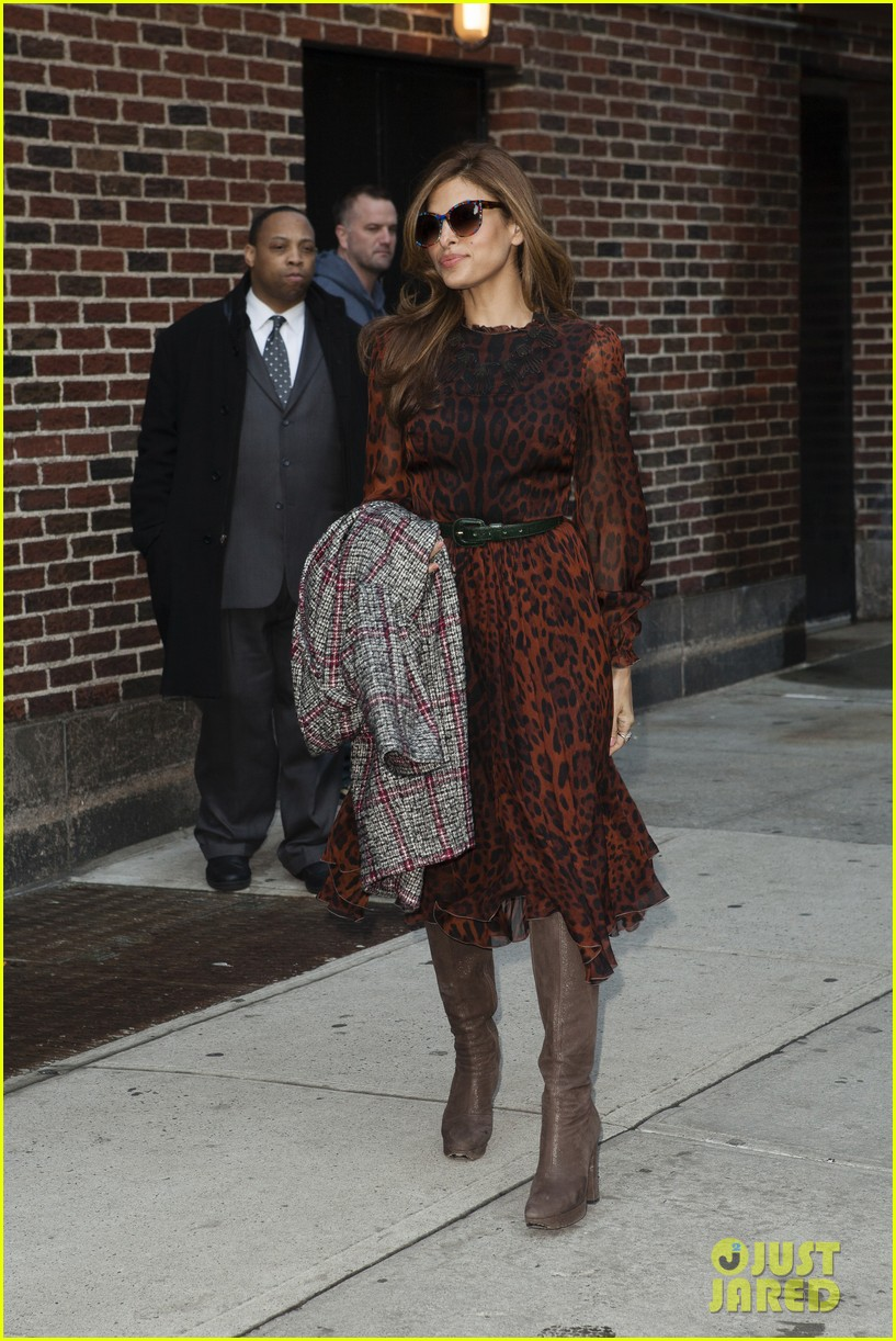 eva mendes late show appearance 05