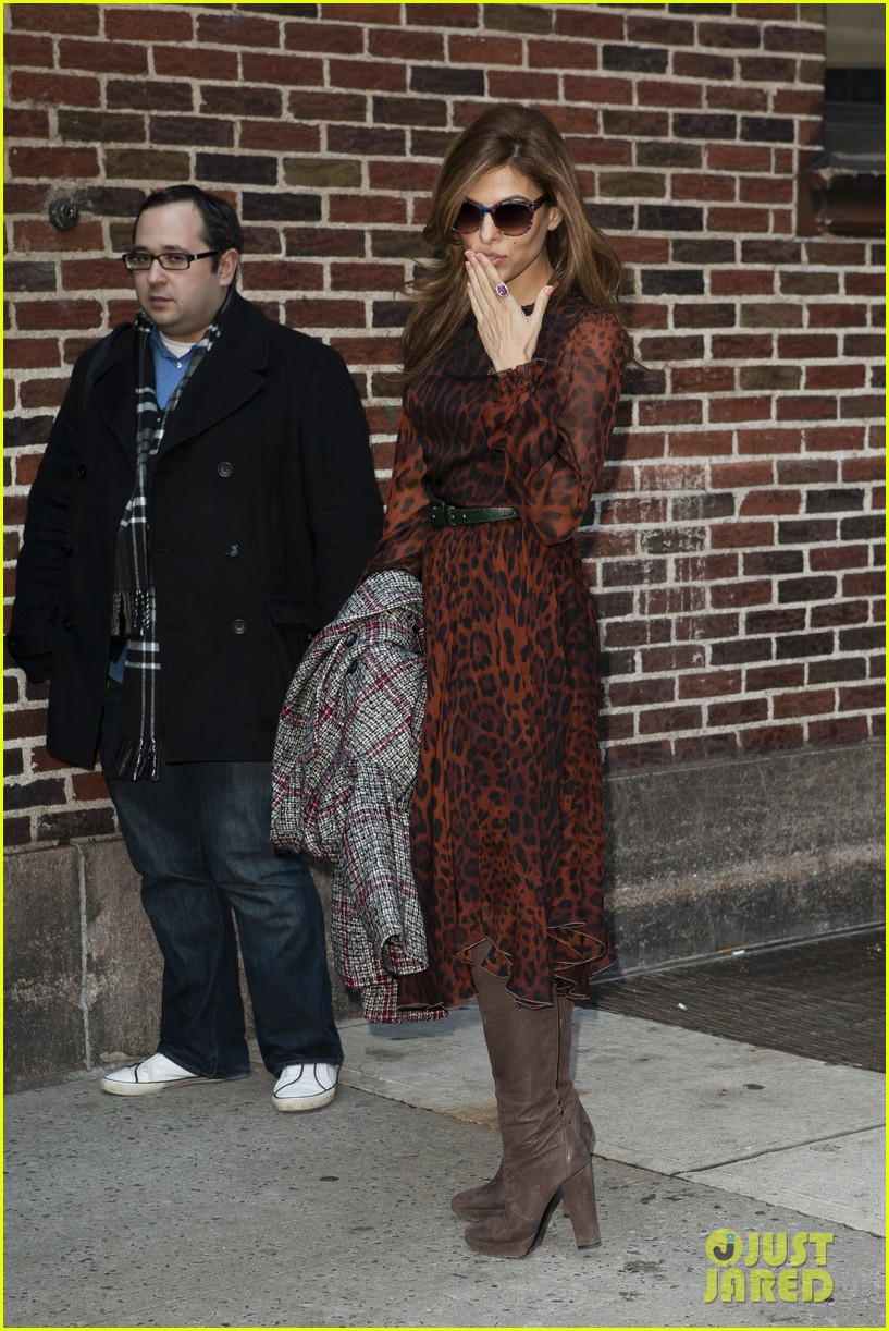 eva mendes late show appearance 102834411