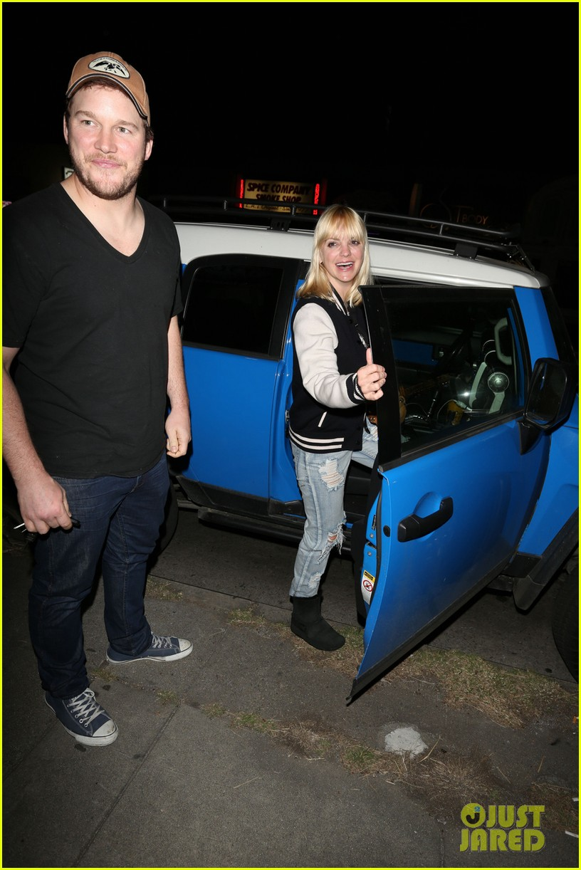 anna faris chris pratt birthday party pair 042823430