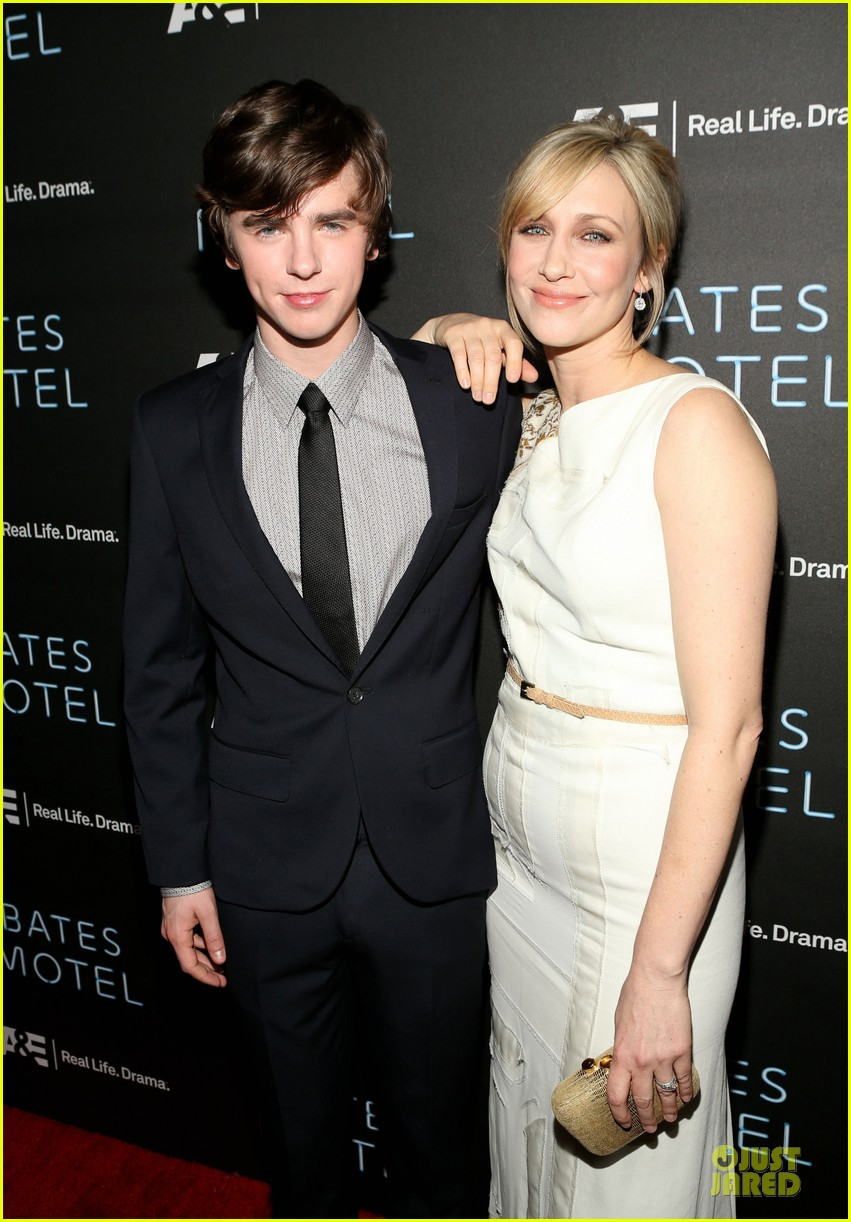 vera farmiga freddie highmore bates motel premiere party 022829686