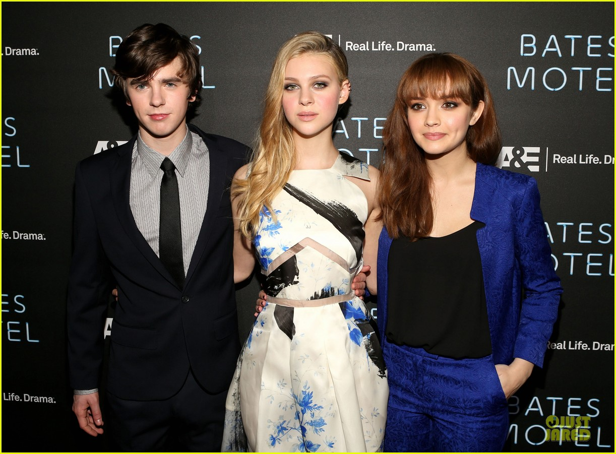 vera farmiga freddie highmore bates motel premiere party 192829703