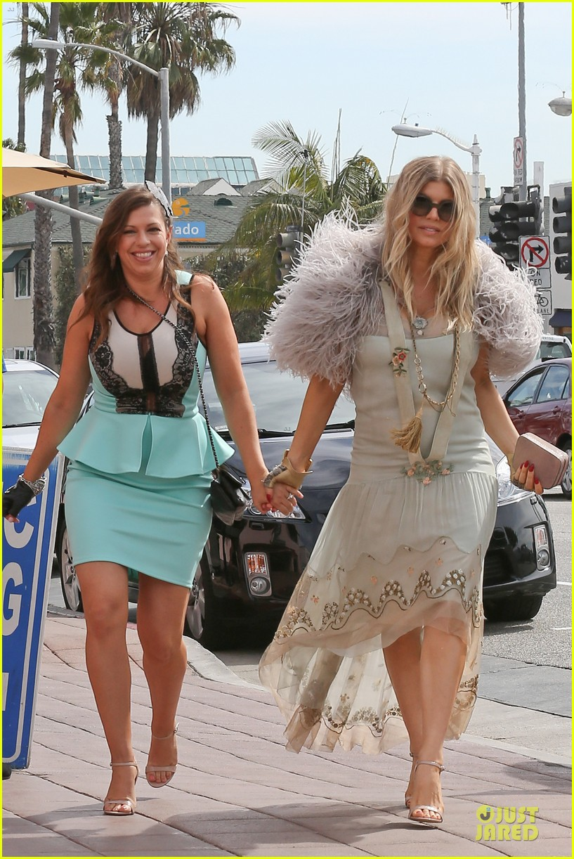 fergie bridal shower with sister dana 22