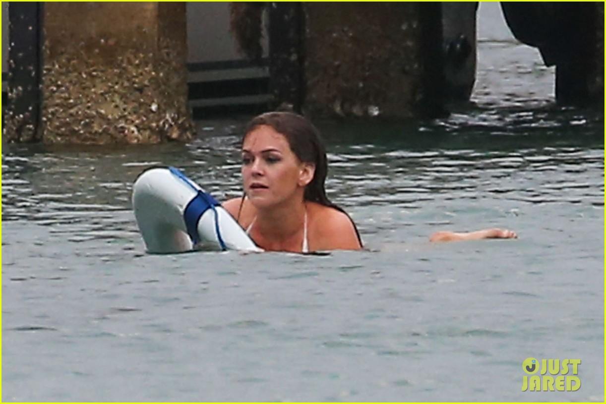 isla fisher bikini babe on untitled elmore leonard project set 022829874