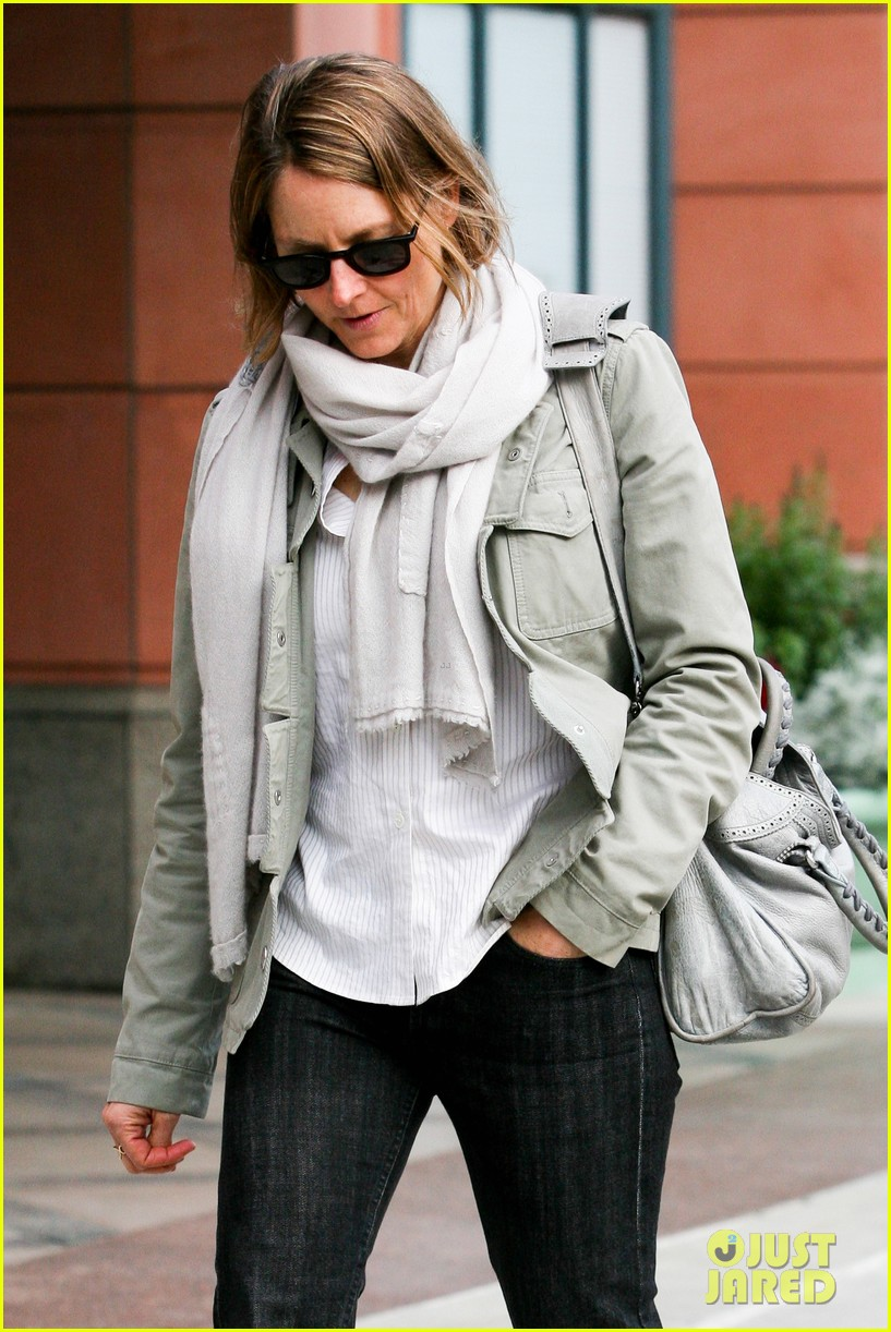 jodie foster errands after tennis match with charlie kit 042826659