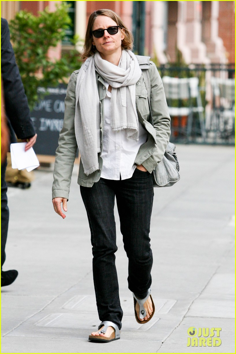 jodie foster errands after tennis match with charlie kit 062826661