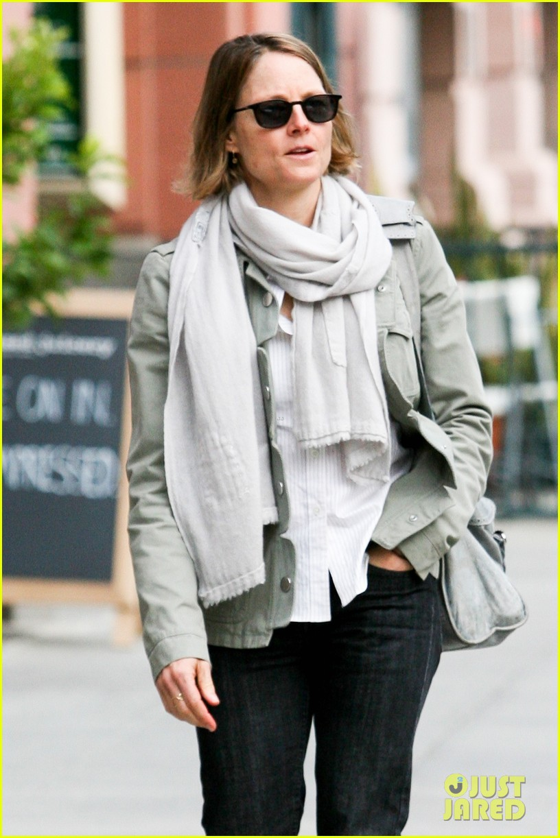 jodie foster errands after tennis match with charlie kit 072826662