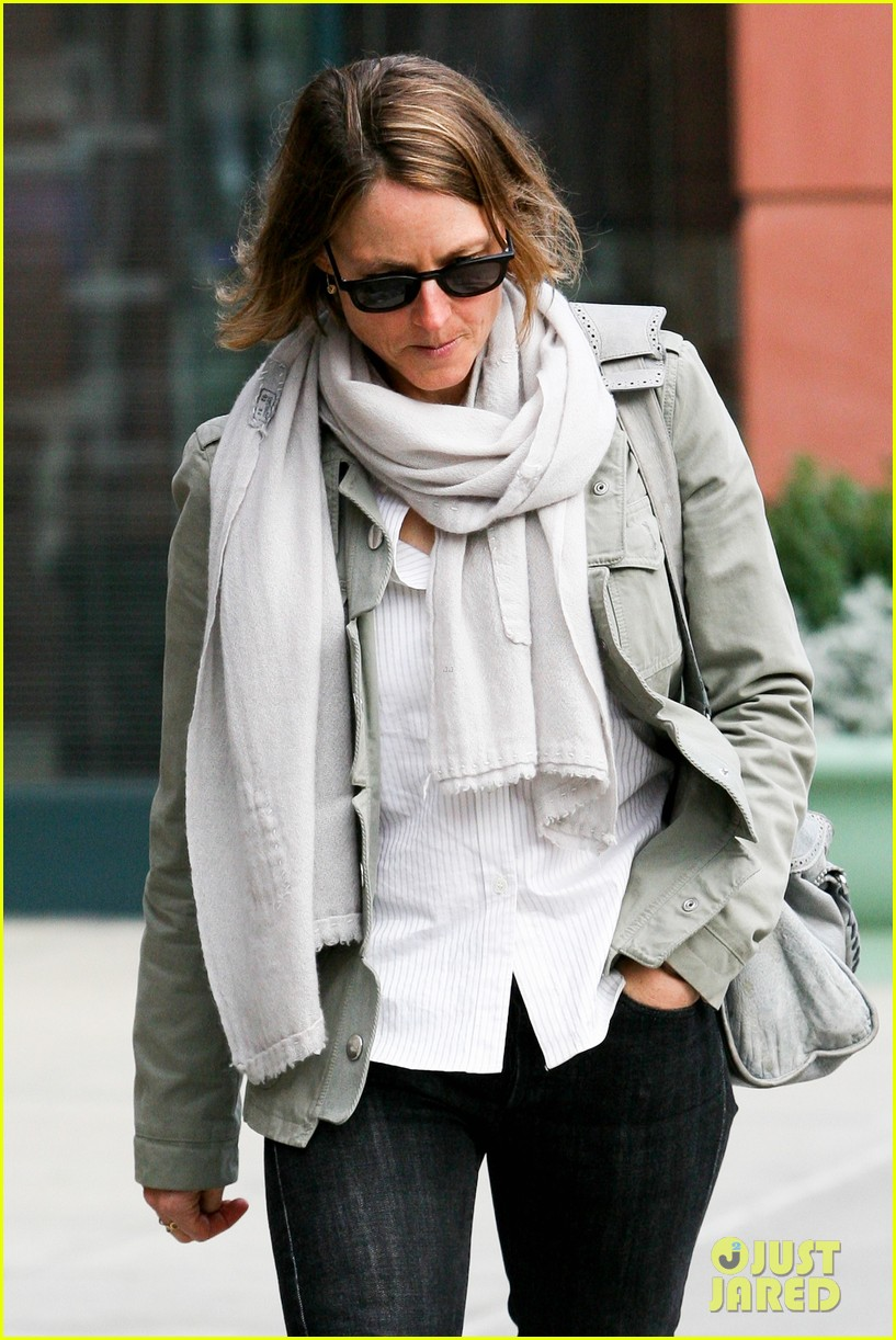 jodie foster errands after tennis match with charlie kit 102826665
