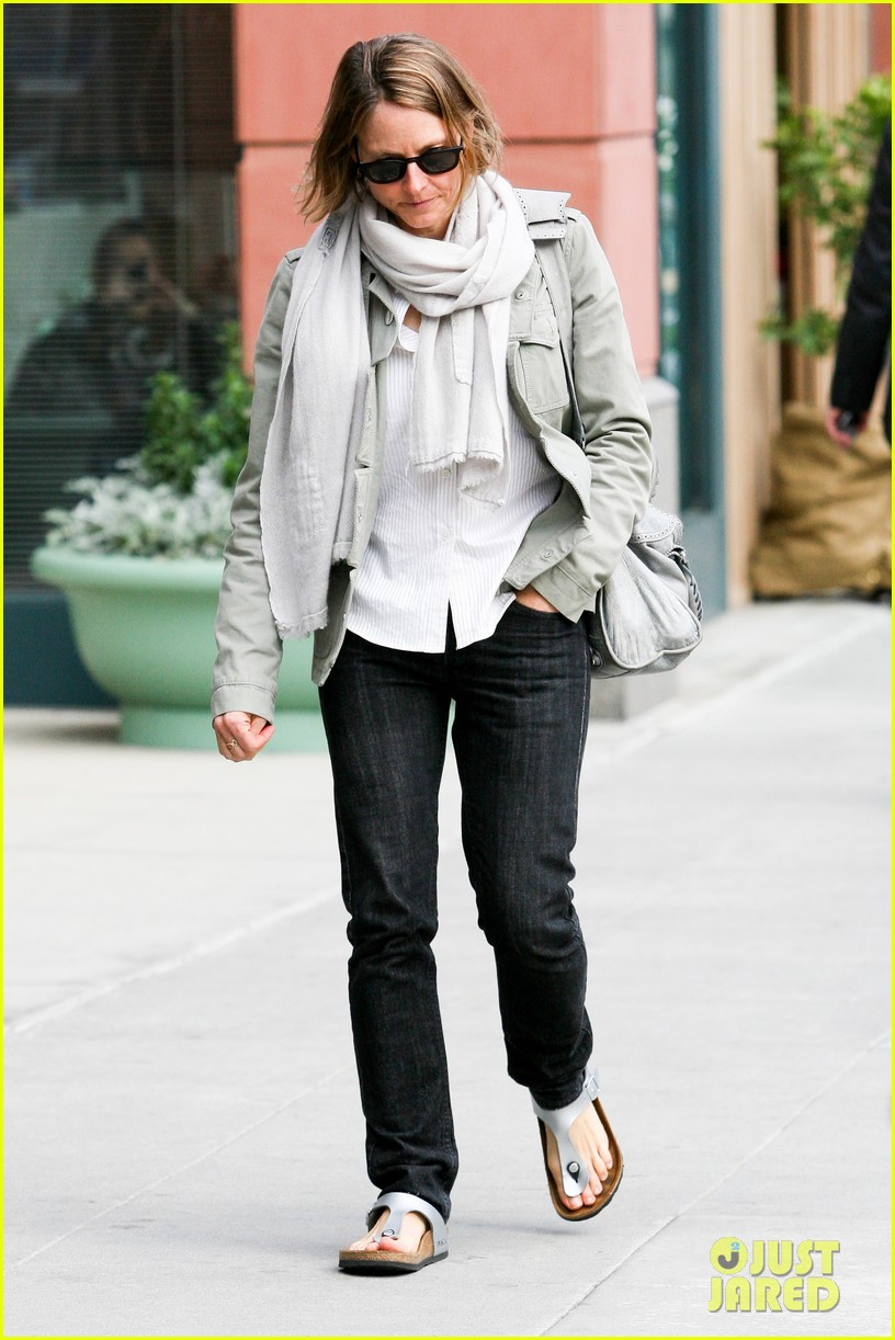 jodie foster errands after tennis match with charlie kit 112826666