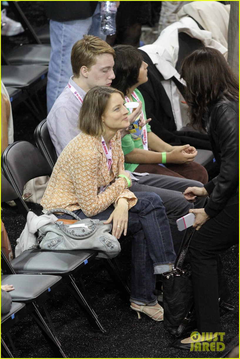 jodie foster errands after tennis match with charlie kit 142826669