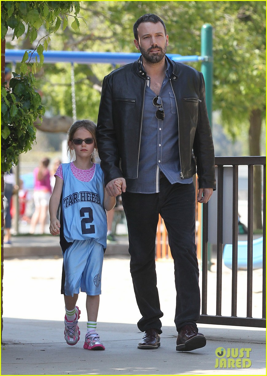 jennifer garner ben affleck violet basketball game 032836812