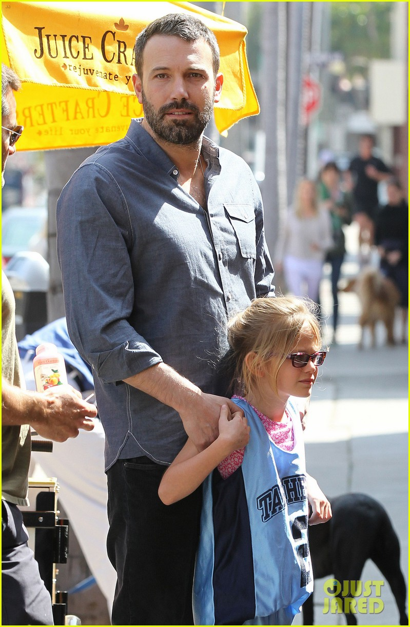 jennifer garner ben affleck violet basketball game 122836821