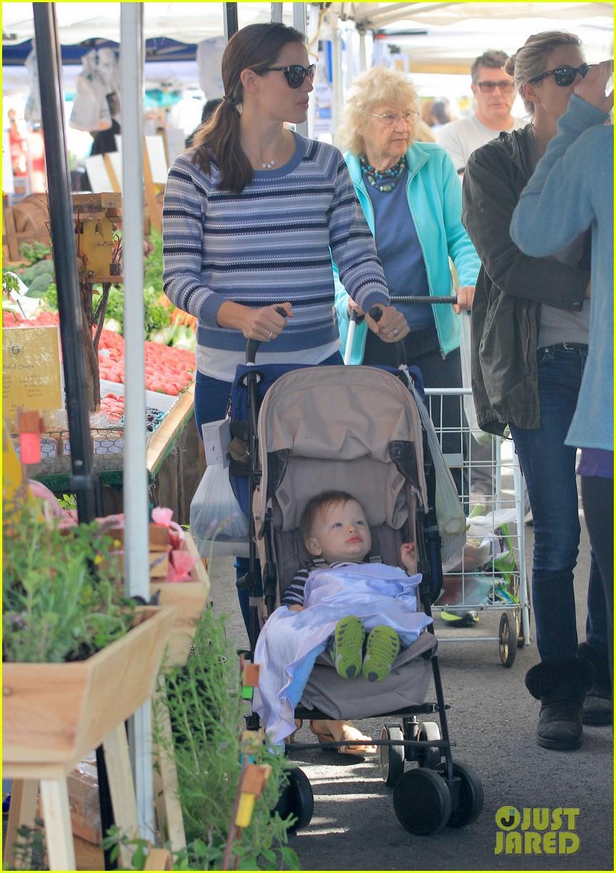 jennifer garner ben affleck farmers market family 072837363