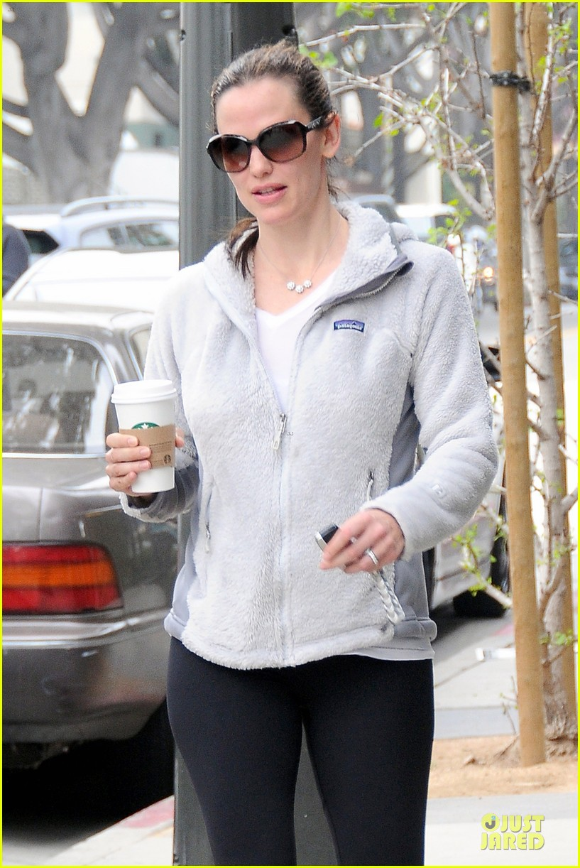 jennifer garner ben affleck piano shopping couple 042831682