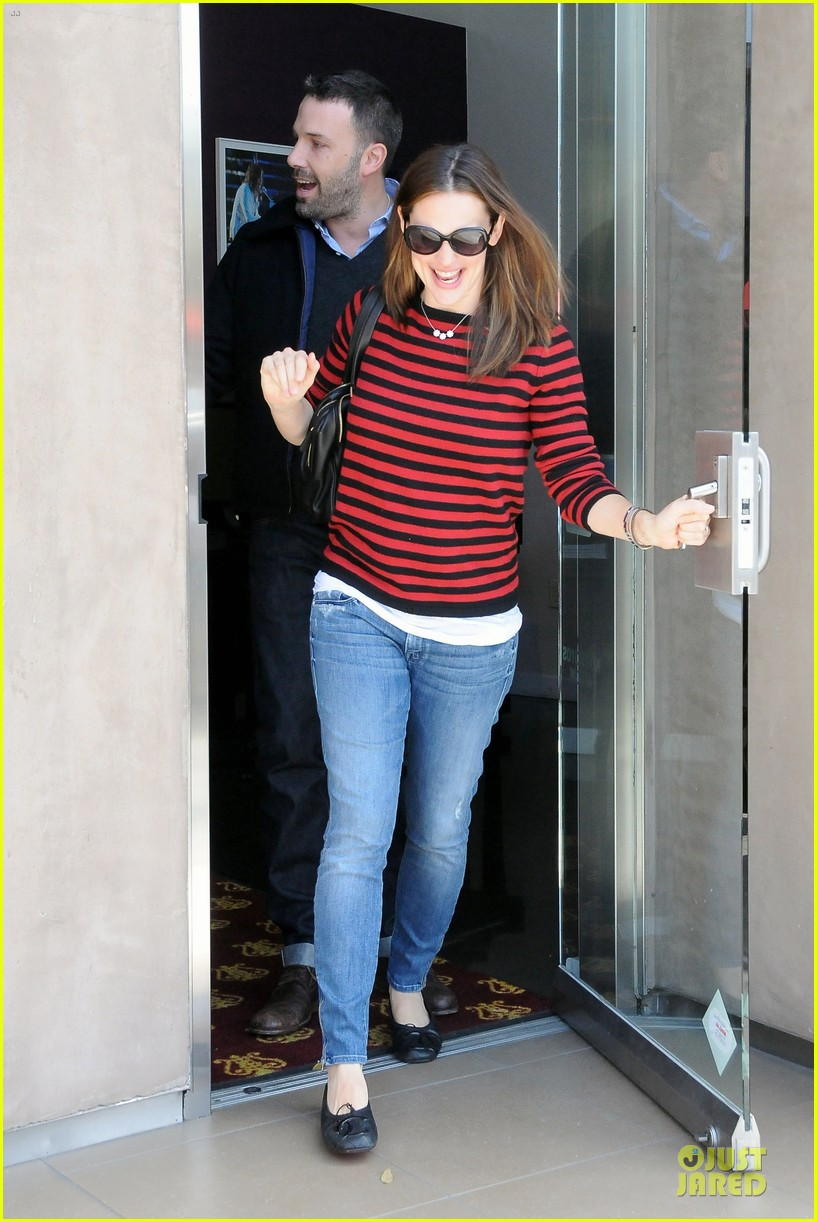 jennifer garner ben affleck piano shopping couple 11