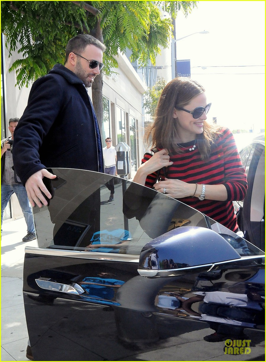 jennifer garner ben affleck piano shopping couple 19
