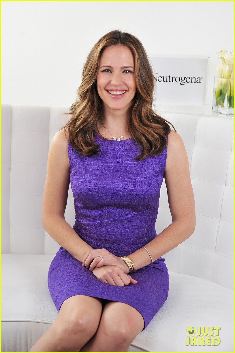 jennifer garner neutrogena sun summit 082830041