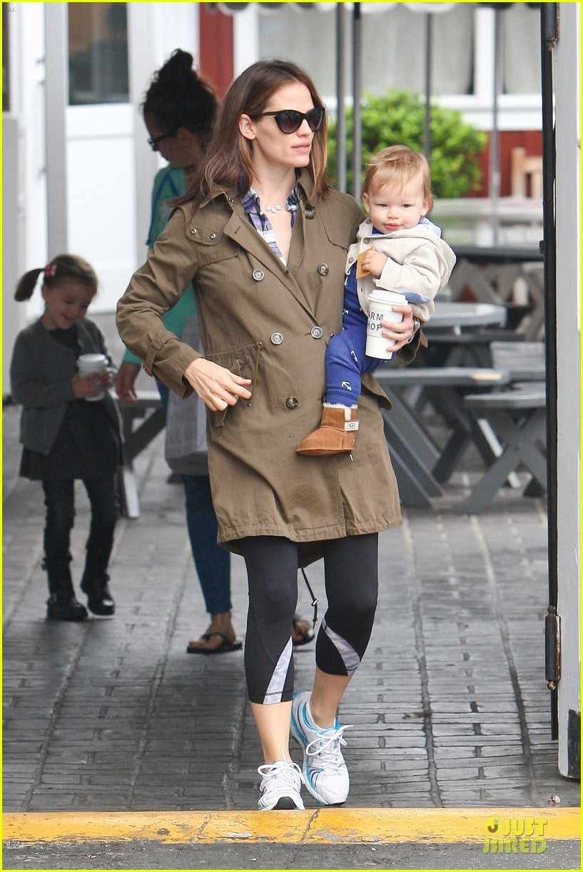 jennifer garner tavern girls night after day with the kids 102840068