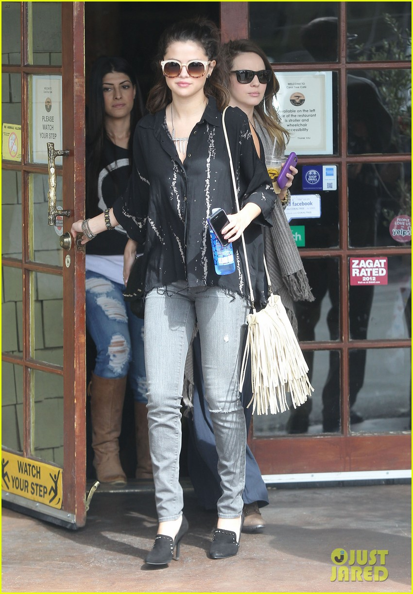 selena gomez coral tree cafe lunch 072824380