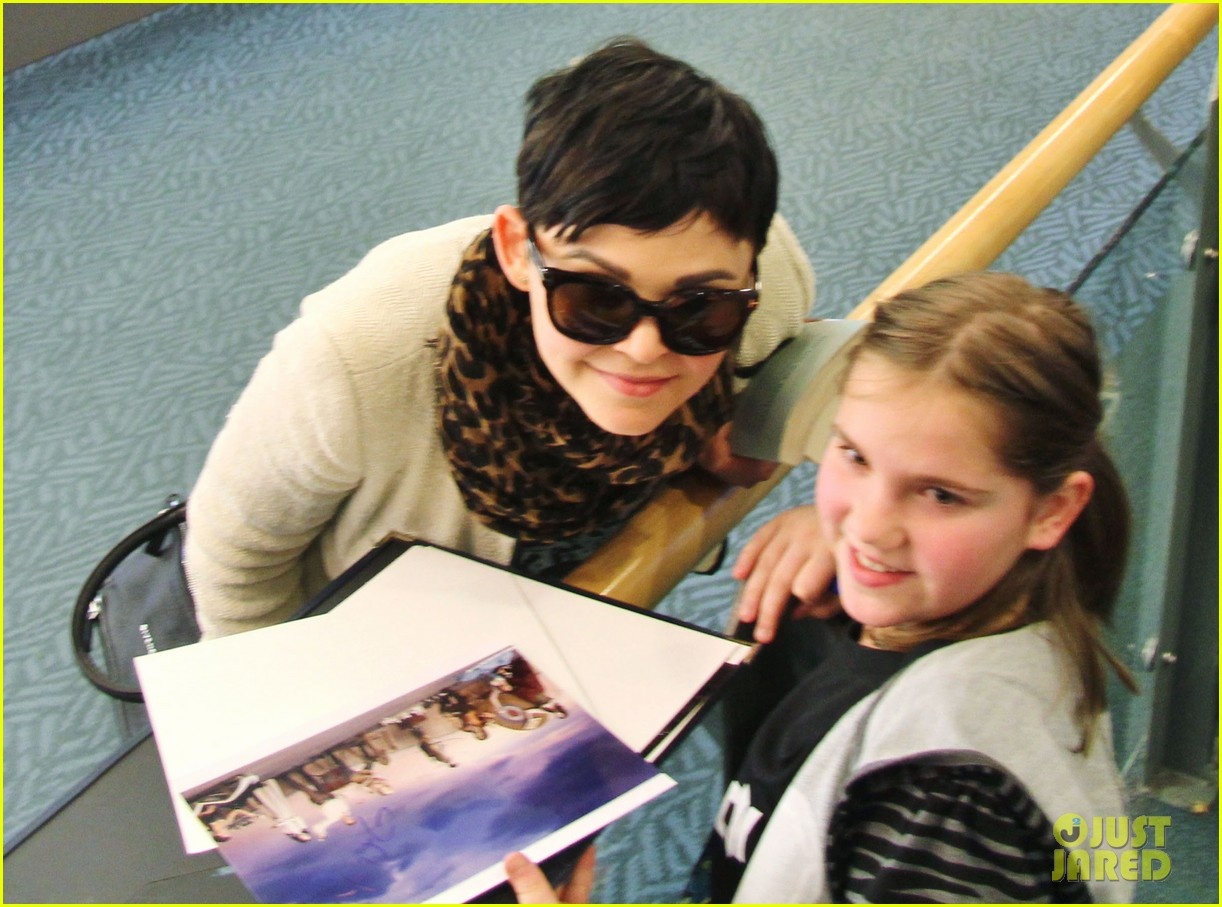 ginnifer goodwin its hard playing two characters on once upon a time 062825538