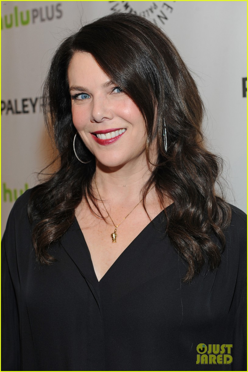 lauren graham paleyfest with parenthood cast 032827166