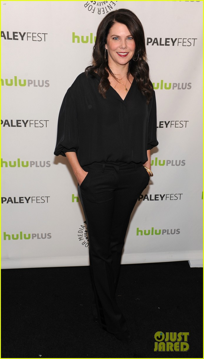 lauren graham paleyfest with parenthood cast 192827182