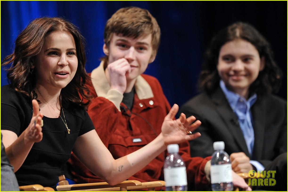 lauren graham paleyfest with parenthood cast 222827185