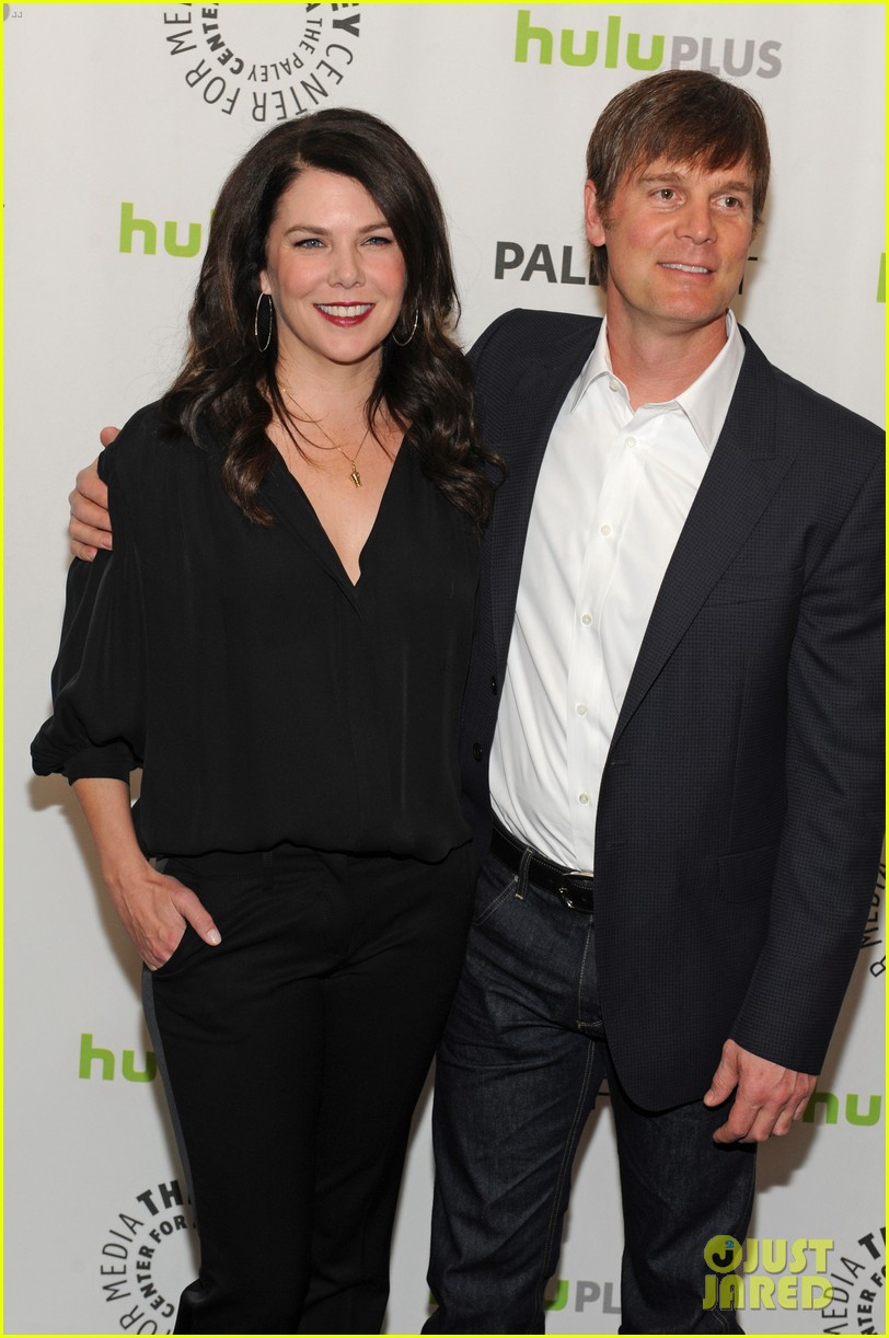 lauren graham paleyfest with parenthood cast 252827188