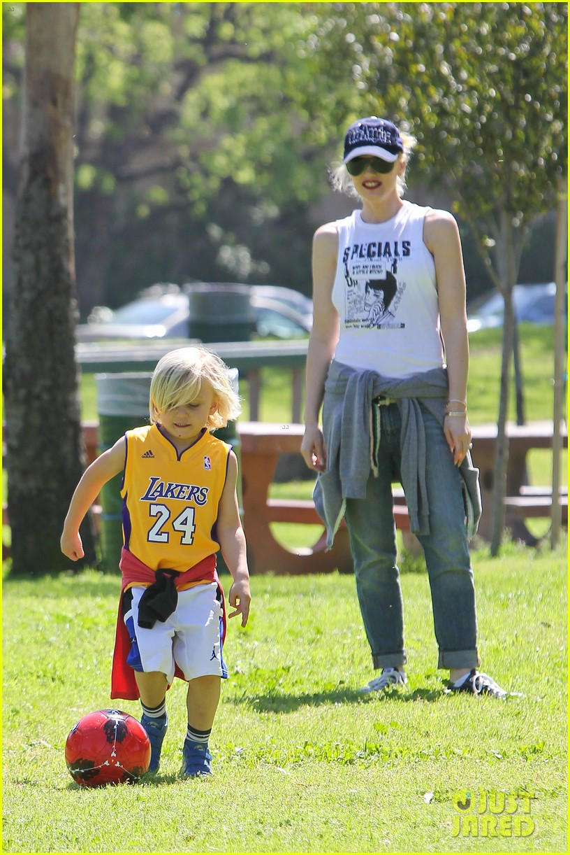 gwen stefani gavin rossdale family fun at the park 012837281