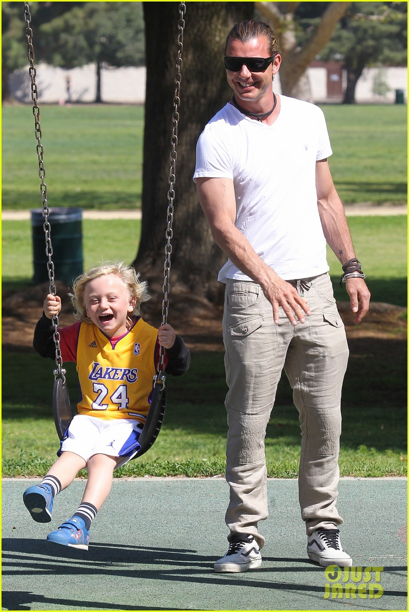 gwen stefani gavin rossdale family fun at the park 072837287
