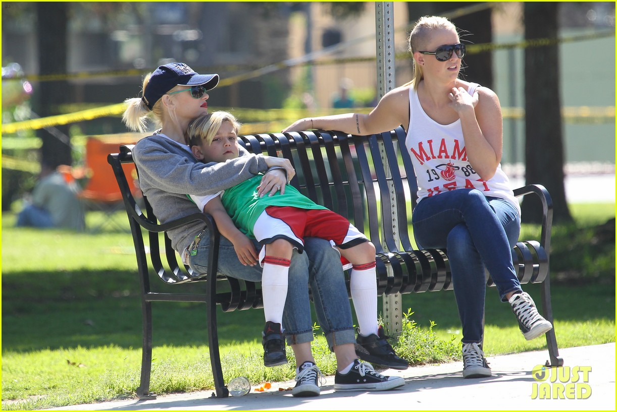gwen stefani gavin rossdale family fun at the park 202837300
