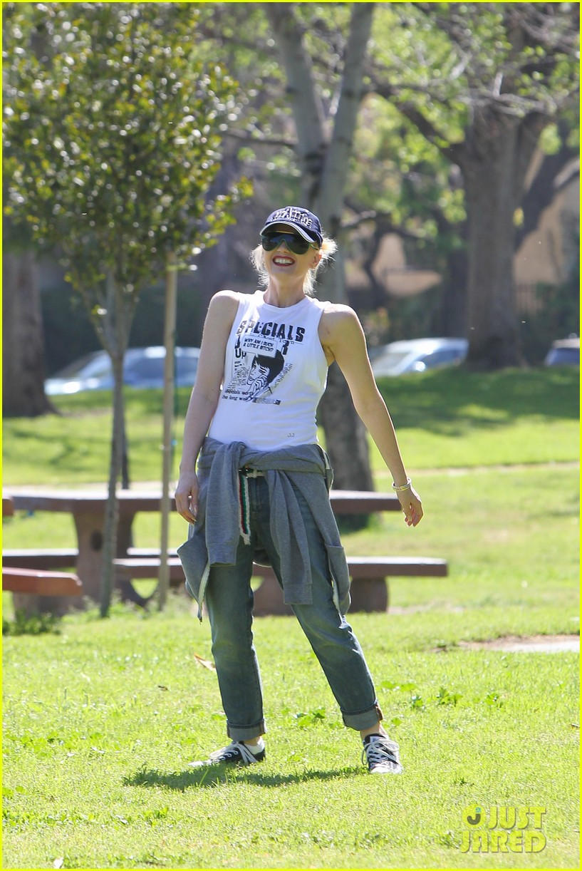gwen stefani gavin rossdale family fun at the park 21