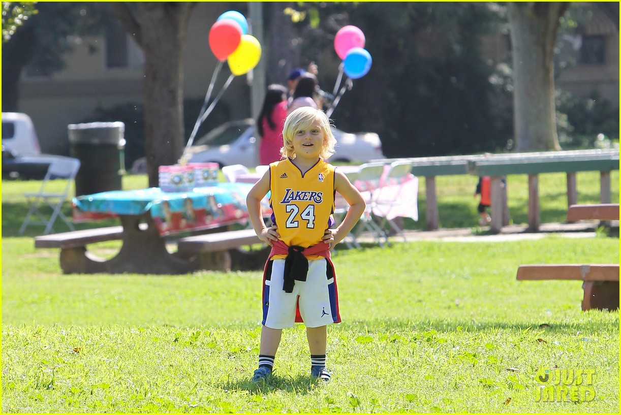 gwen stefani gavin rossdale family fun at the park 222837302