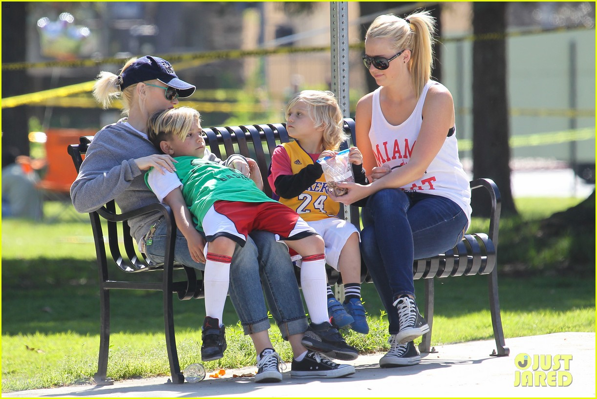 gwen stefani gavin rossdale family fun at the park 262837306