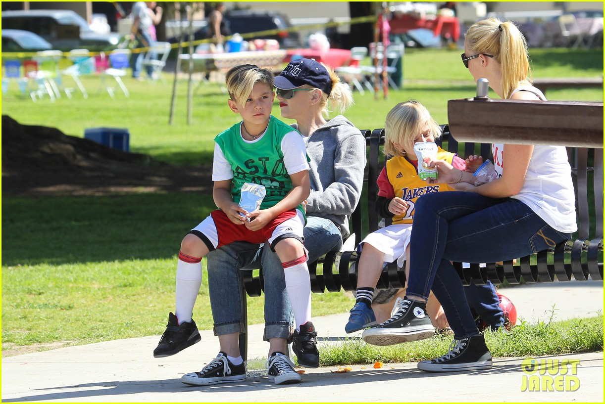 gwen stefani gavin rossdale family fun at the park 302837310