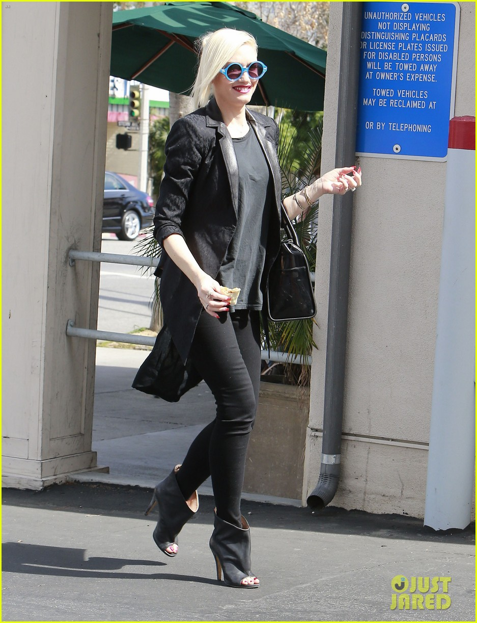 gwen stefani target trip with kingston zuma 202824188
