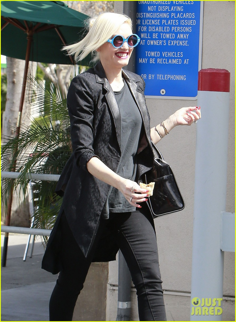 gwen stefani target trip with kingston zuma 21