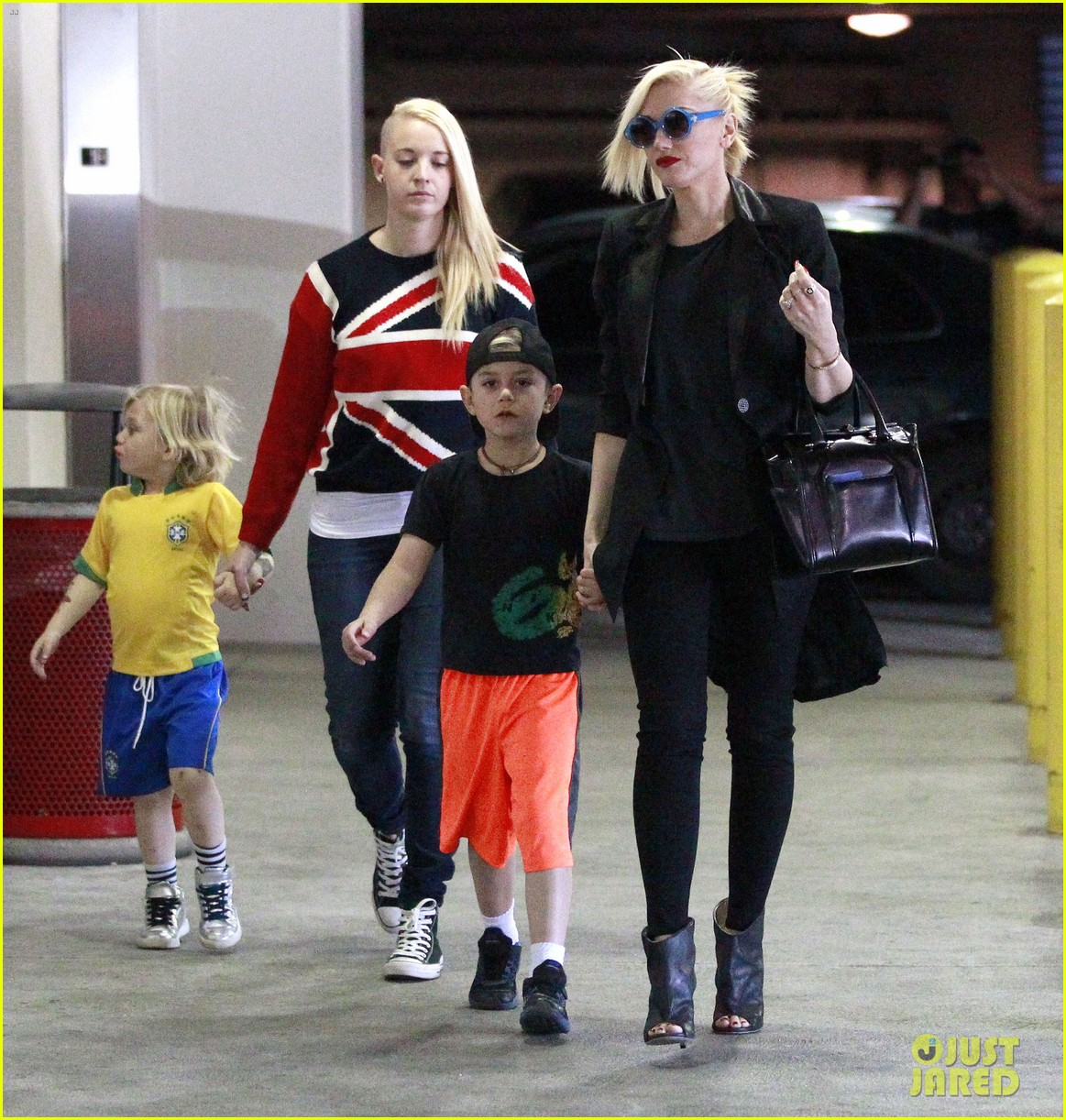 gwen stefani target trip with kingston zuma 24