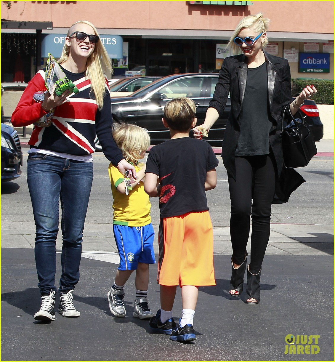 gwen stefani target trip with kingston zuma 352824203