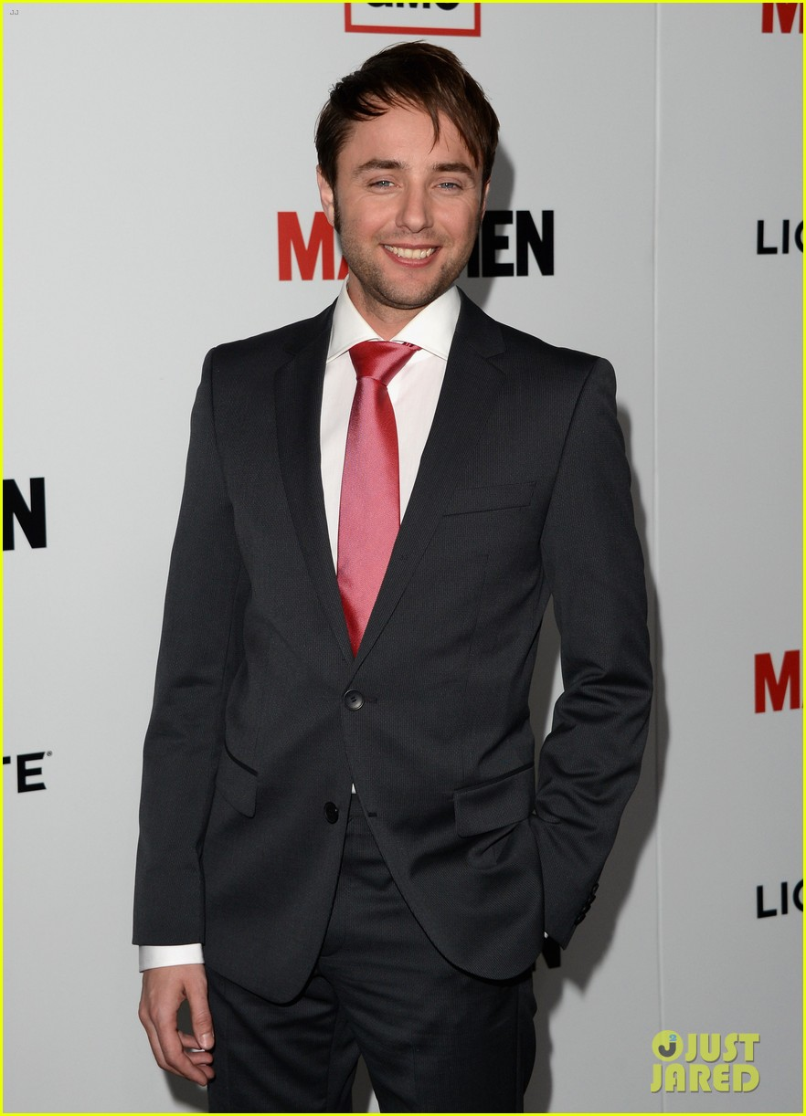 jon hamm vincent kartheiser mad men season 6 premiere 05