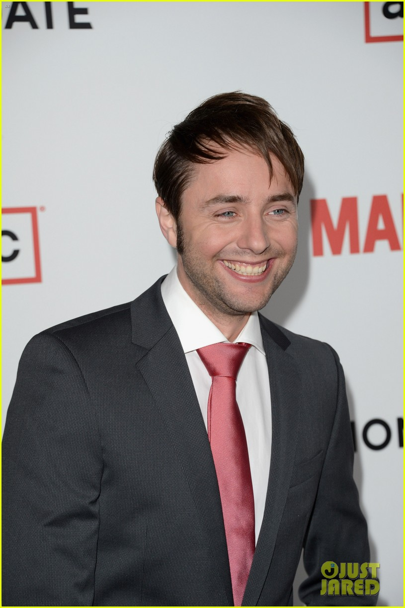 jon hamm vincent kartheiser mad men season 6 premiere 14