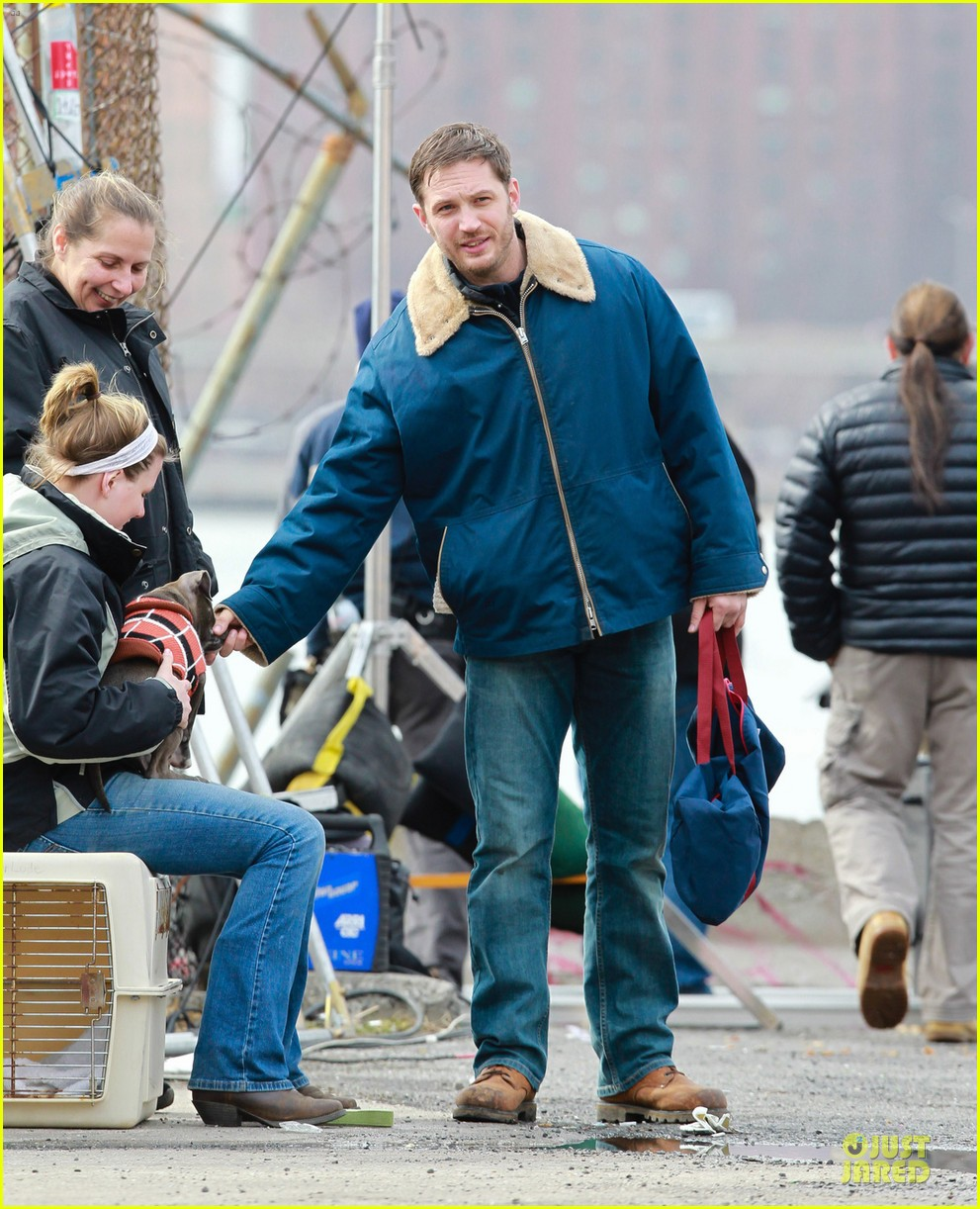 tom hardy kisses on animal rescue set 052829036