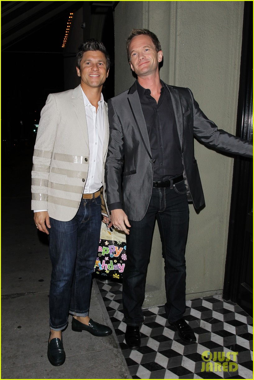 niel patrick harris elton johns birthday party with david burtka 032838055