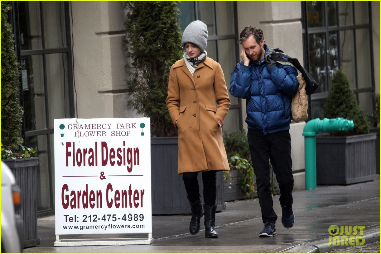 anne hathaway monday morning stroll with adam shulman 032837768