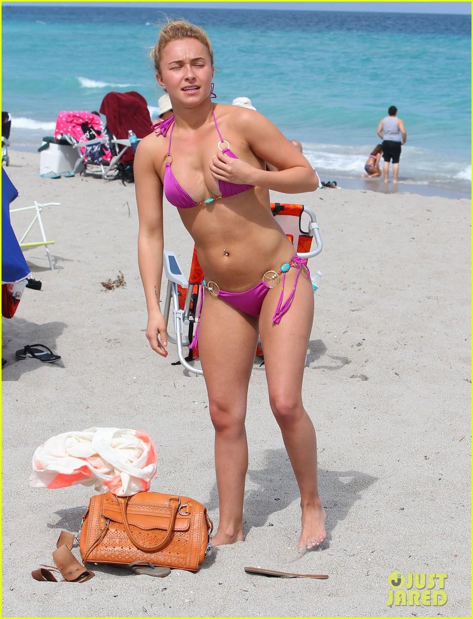 hayden panettiere pink bikini babe 092841189