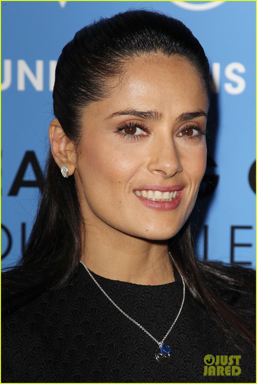 salma hayek avon communication awards 2013 022826910
