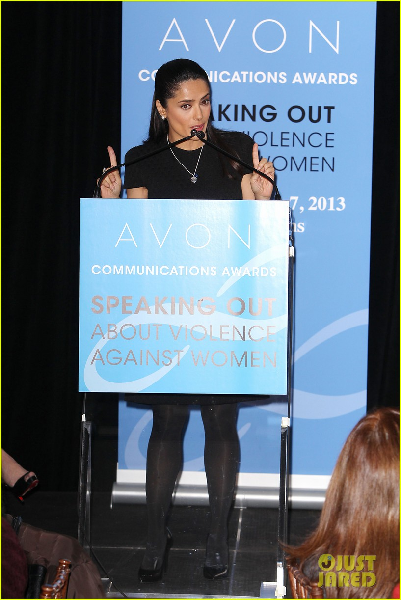 salma hayek avon communication awards 2013 032826911