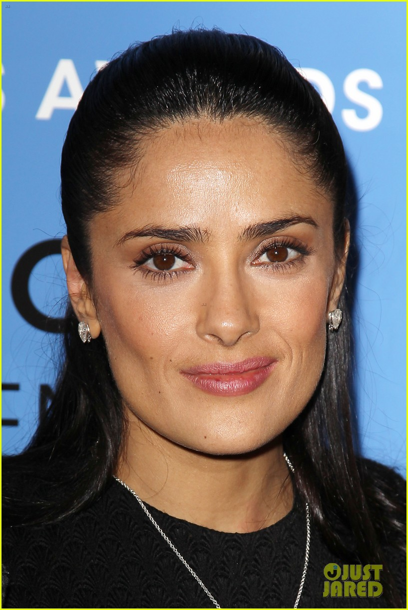 salma hayek avon communication awards 2013 19
